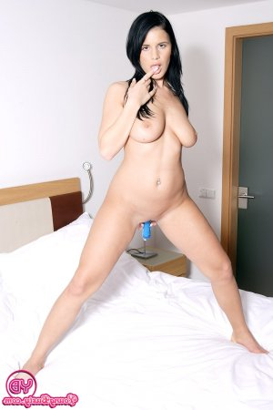 Mellyne lollipop escorts service in Ayr